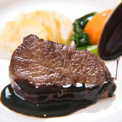 【関アジ姿造り付】関アジ姿造りと精肉店直営 A4等級豊後牛ステーキの和洋折衷コース料理をご堪能♪