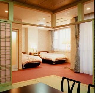 日本最大級の池を眺められる特別和洋室(禁煙・バス付)