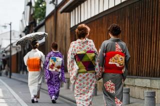 京都の街は着物で散策!お手軽着物プラン♪(レンタル、着付け代別)