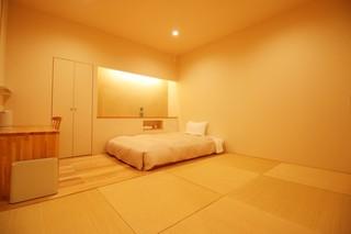 ■和モダンルーム 禁煙 【1名〜】22平米 140幅ベッド