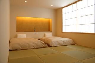 ■和モダンルーム 禁煙 30平米 140幅ベッド ×2