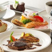 (平日)国産牛フィレステーキディナーコース&朝食(朝食8:00〜11:00)★