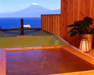 【素泊りプラン】 ◇チェックインは21時までOK!驚きの4,000円台〜!◇8つのお風呂を独り占め!