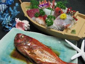 大きな金目鯛姿煮&旬魚入り舟盛【夏にもおすすめスタンダード】富士山一望6つの露天風呂24時間貸切無料