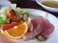 クチコミ高評価○地鶏ロースト粒マスタードソース+地魚刺身の満腹プラン