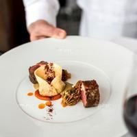 【鉄板焼きスタンダードプラン】特選黒毛和牛の旨味をご堪能。専属シェフによる鉄板焼きディナーコース