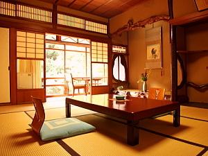 【本館10畳 トイレ付】昭和初期の本格的な建築美(31平米)