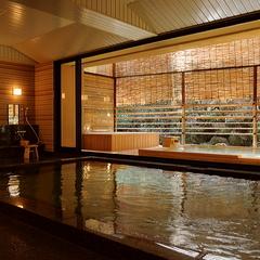 【基本プラン】 島内随一の格式を誇る温泉宿でくつろぐ。みやじまの宿 岩惣 「2食付スタンダード」