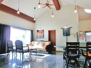 石垣島の名蔵湾を一望できる露天風呂付一棟貸しお部屋