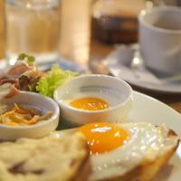 【期間限定】ピエール・エルメ・パリ マカロン&紅茶セット付きプラン/朝食付き
