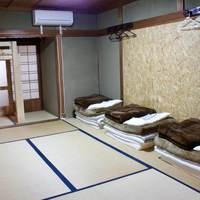 長期滞在プラン 7泊〜 男性ドミトリー(定員3名) 縁側と日本庭園がある古民家でゆったりとした時間を