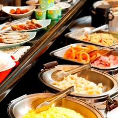 【カップルにおすすめ】ゆったり11時アウトプラン◆大浴場・Wi-Fi完備◆バイキング朝食・駐車場無料