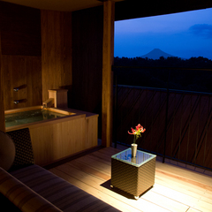温泉露天風呂付湯宿「山紫水明」和洋室