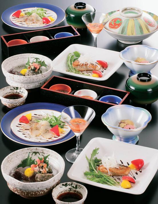 季節の素材を大事に心を込めた会席料理をお部屋食プラン
