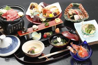 白木造りの純和室でグループ、同窓会に最適♪名古屋名物付き創作会席料理を愉しむ☆1泊2食付きプラン