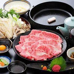 【夕食グレードアップ】深い味わい!とろける食感!米沢牛A5ランクを堪能♪《すき焼きorしゃぶしゃぶ》