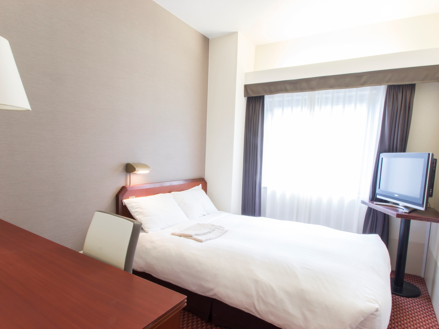 Standard Semi-Double Room with Free Internet