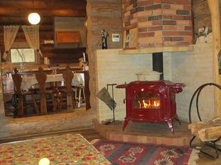 暖炉でポカポカみんなでパーティー★スタンダードログハウス