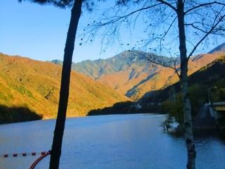 【自慢の「イノブタ鍋」1泊2食付きプラン♪】 絶景☆滝と紅葉のコラボレーション〜人気の西沢渓谷へ〜