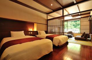 【特別室 山つつじ】8畳+ベッドルーム+露天風呂【禁煙】
