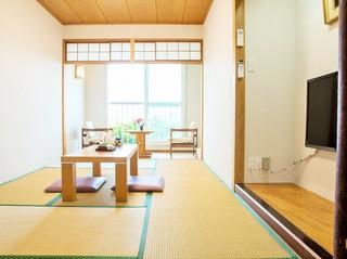 7.5畳和室 シービュー 共用バスルーム