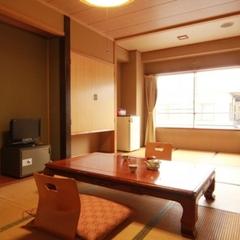 家族のお客様向け 和室10畳〜12畳(バス、トイレ付)