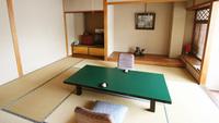 吉泉亭(バス・トイレ付和室10畳)