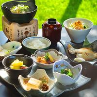 """【海鮮朝ごはん】萩の""""新鮮な海鮮""""「イカ・あんこう」など、朝からたっぷり味わえる幸せ♪"""