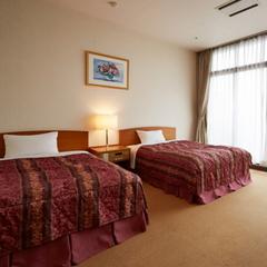 【城下町側客室】ゆったりとしたツインベッド♪洋室40平米