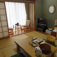 【城下町側客室】落ち着いた雰囲気♪和室6帖