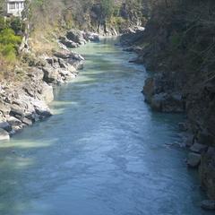 【素泊まり】風光明媚な山間のコテージ!大自然とpH10.2の美人の湯に癒される<現金特価>
