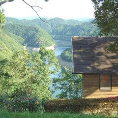 【◆貸切コテージ◆】湖を見下ろすコテージでのんびり自然満喫★