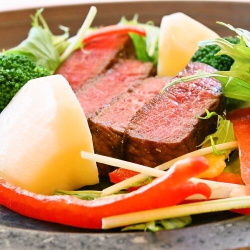 【スタンダード】プランに迷ったらコレ!国産牛ヒレ肉陶板焼きディナー&アンティーク調の露天風呂付客室