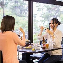 【昼食つき】宮島観光とグルメを満喫♪荷物預かり手ぶらで観光◎夕食グレードアップver!!