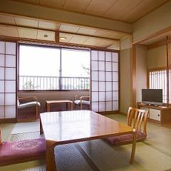 ●海を眺める和室(バストイレ付8畳)海側 【禁煙・4名定員】