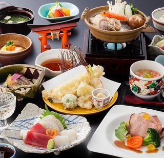【昼食つき】宮島観光とグルメを満喫♪荷物預かり手ぶらで観光◎