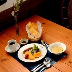 【1泊朝食付き 】【平日限定】自家製のソーセージやベーコンを日替りでご用意してます♪♪
