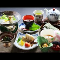 【50歳以上限定】味も見た目も大満足♪手作り豆腐会席 + ワンドリンクサービス【特典付】