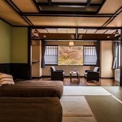 リバービュー・和室ベッドルーム / 32平米・バス付・禁煙