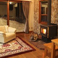 【素泊まり】平日は何人で泊っても1人9720円◎キッチンも暖炉もついた離れメゾネットコテージ