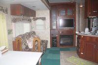 キッチン付きトレーラーハウス最大5人まで宿泊可能