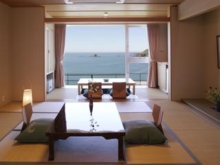 【喫煙・北の風〜新館〜】戸賀湾を臨む和室12.5畳+広縁