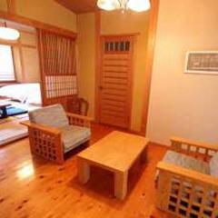 【新館】和室 10畳+洋間  ベッド付