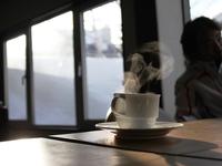 ゴンドラ8時間券+(宿泊+朝食+バス+トイレ+エアコン+冷蔵庫+自家焙煎珈琲+お土産)=満足付き♪