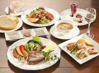 コースディナーと、朝食が洋食、和食、選べる(1泊2食付き)プラン♪