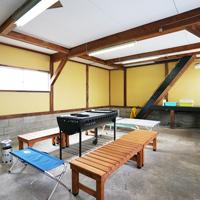 雨でもらくらく!BBQハウス。温泉まで徒歩2分【入浴チケット付き】大人数ほどお得な一軒家貸切プラン。