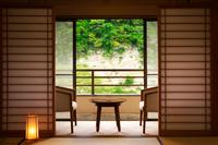 全室渓谷ビュー!四季の彩りと黒湯の癒しプラン☆ 貸切風呂を無料でどうぞ♪