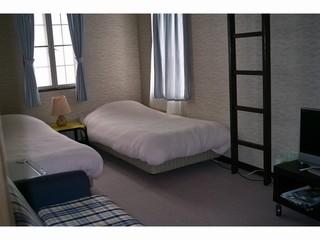 広さ20平米ロフト付洋室206 4人まで 禁煙 無料WIFI