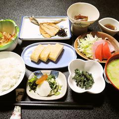[【二食付】福井観光の拠点に◎品数が豊富な和定食≪基本プラン≫現金特価