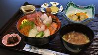 朝食も海幸満載の「海鮮丼」!ご夕食のお造りは舟盛りでご提供☆スタンダード会席プラン